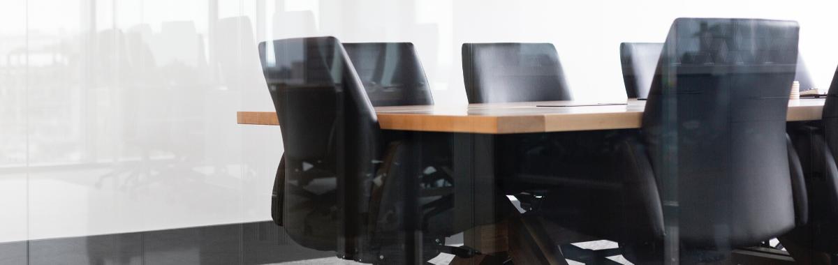 Les grandes entreprises recrutent de plus en plus de freelances : pourquoi ? cover